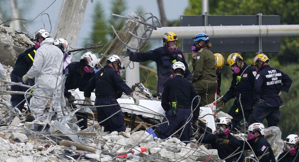 انهيار مبنى سكني في فلوريدا
