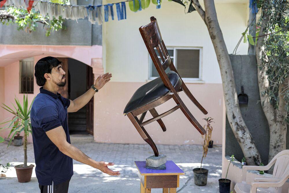 الفنان الفلسطيني محمد الشنبري في