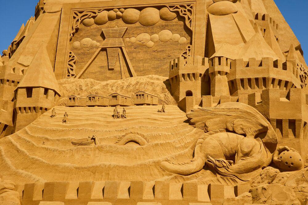 أطول تمثال من الرمل في بلوخوس، الدنمارك