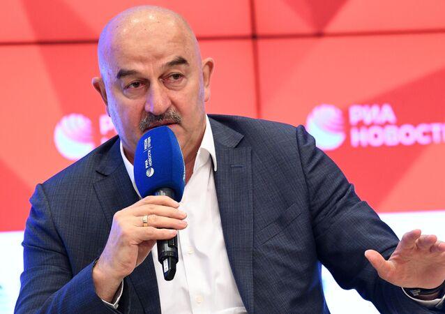 ستانيسلاف تشيرتشيسوف، مدرب المنتخب الروسي السابق