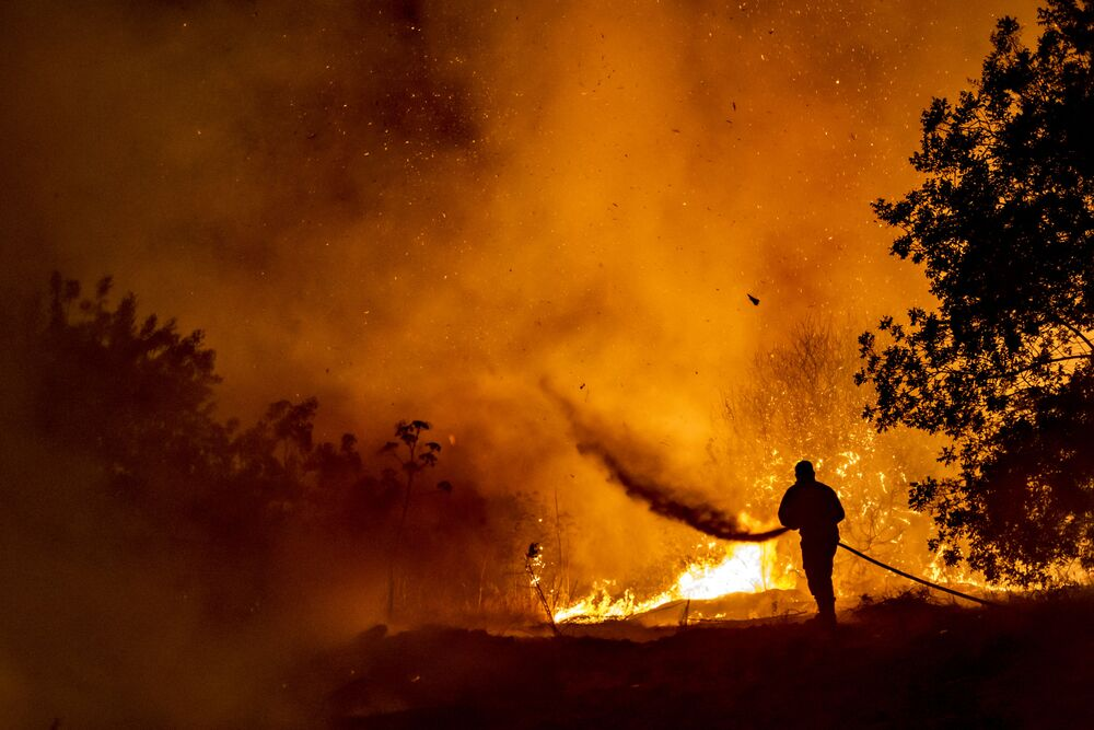 حرائق جبال ترودوس في جزيرة قبرص