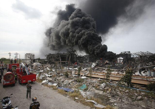 موقع انفجار هائل في مصنع محلي في تايلاند
