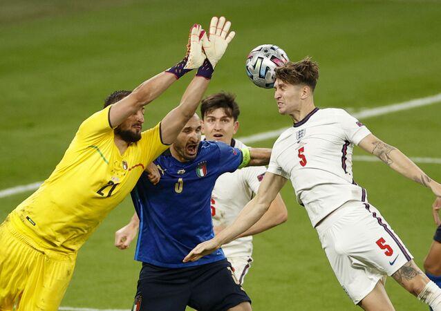 حارس مرمى المنتخب الإيطالي جانلويجي دوناروما