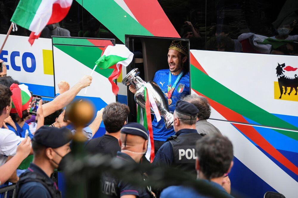 المنتخب الإيطالي يصل روما