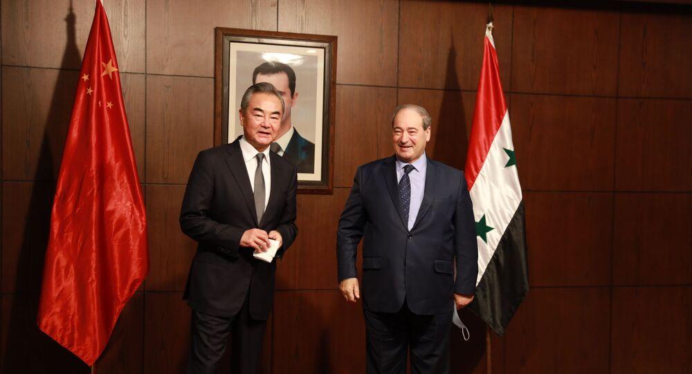 وزير الخارجية الصيني يصل العاصمة دمشق