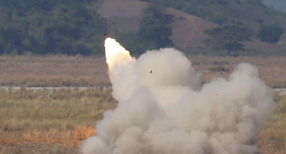 راجمة الصواريخ الأمريكية هيمرس