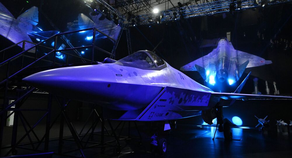 مقاتلة تشيك مايت في معرض ماكس 2021