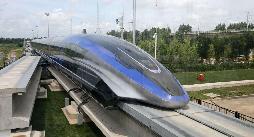 قطار الصين المغناطيسي الأسرع في العالم
