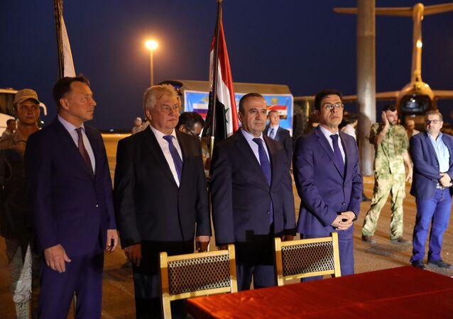 وفد كبير برئاسة لافرينتييف، وبرفقته 160 طناً من المساعدات الطبية الروسية لسوريا.