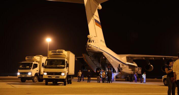 طائرة روسية تحط في مطار دمشق الدولي محملة بالمساعدات الطبية