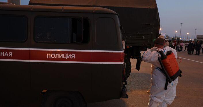 طاقم الأمن الروسي في مطار دمشق الدولي لتقديم المساعدات الطبية