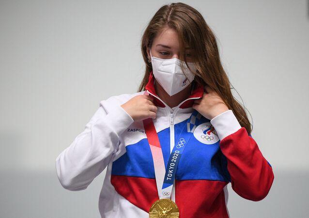 الروسية فيتالينا باتساراشكينا تهدي روسيا أول ميلادية ذهبية في أولمبياد طوكيو