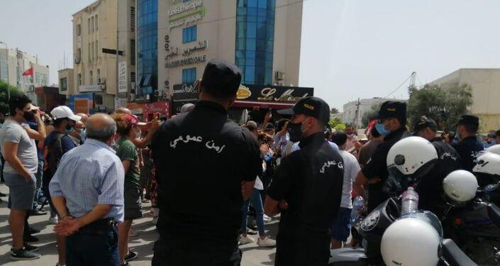 صور من أمام ساحة البرلمان بالعاصمة تونس في إطار حراك 25 يوليو