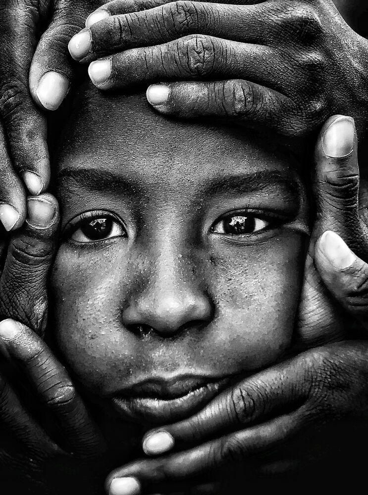 صورة الوصول إلى الروح، للمصور الإسباني كويم فابريغاس، الحائز على المركز الثالث في ترشيحات بورتريه من  مسابقة التصوير الدولية IPPAWARDS 2021