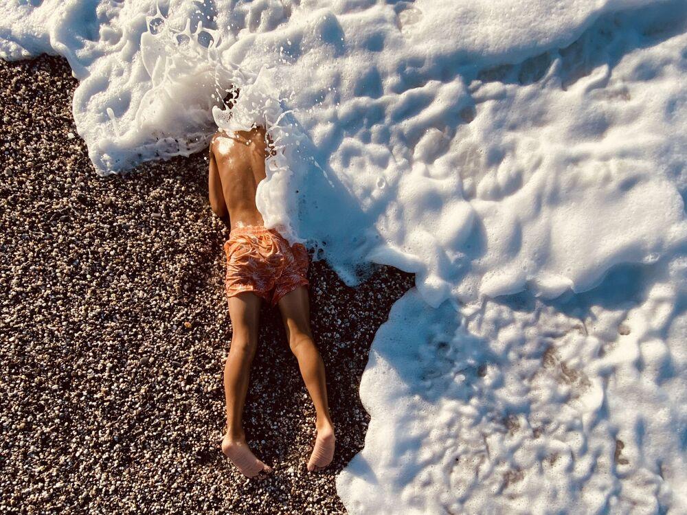 صورة، للمصور إياكوفوس دراكوليس، الحائزة على المركز الثاني في ترشيحات الأطفال من  مسابقة التصوير الدولية IPPAWARDS 2021