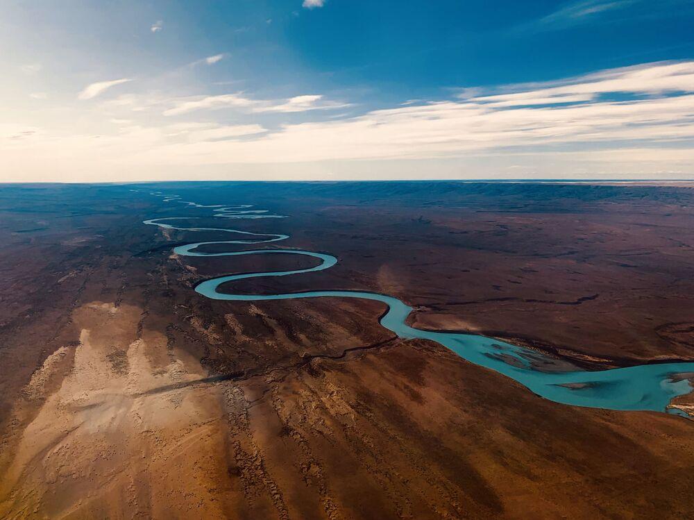 صورة بعنوان رحلة من إجوازو ، للمصور الأمريكي ليجي وانغ، الحائز على المركز الأول في ترشيحات منظر طبيعي من مسابقة التصوير الدولية IPPAWARDS 2021