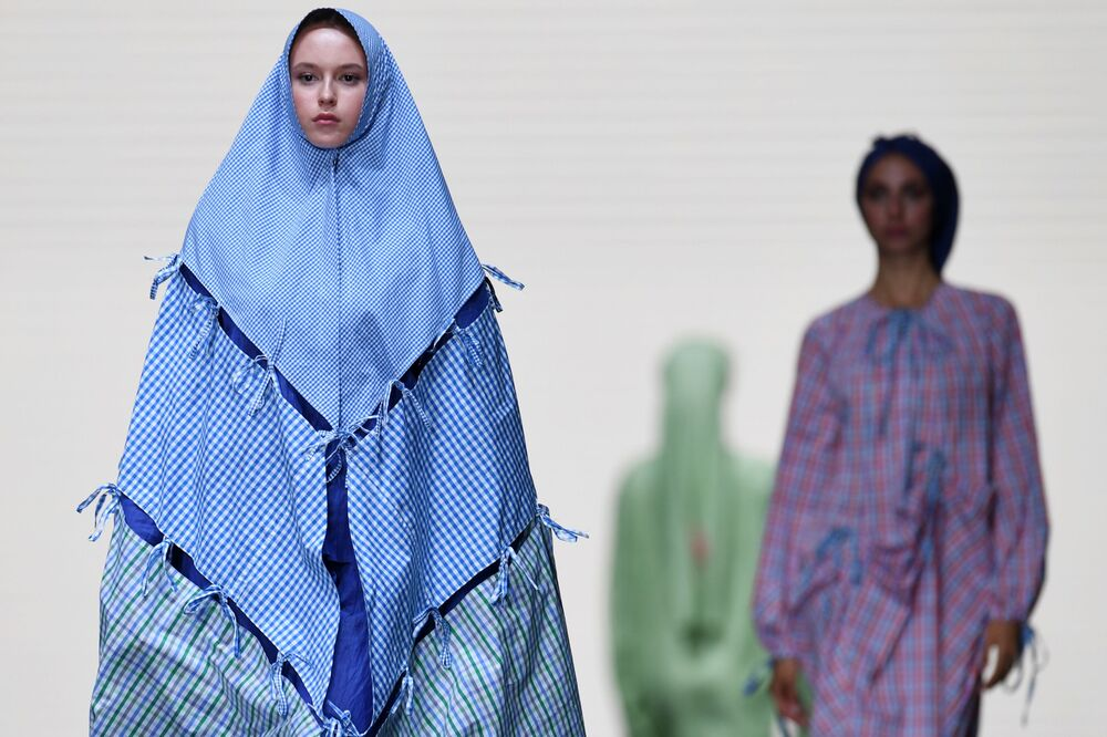 عرض أزياء في قمة قازان 2021