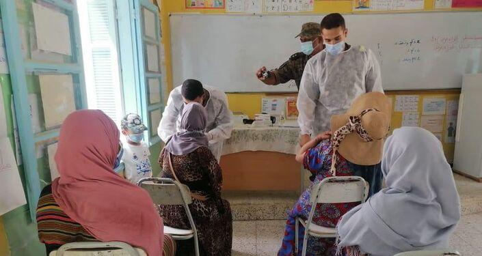 الجيش التونسي يواصل عمليات التطعيم ضد كورونا بعدد من المحافظات والأرياف