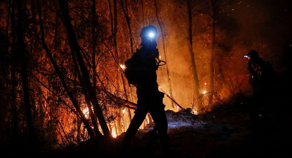 حرائق الغابات في لابيري، بالقرب من باتراس، في اليونان،  أغسطس 2021