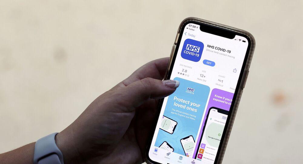 تطبيق الهواتف الذكية التابع لخدمة الصحة الوطنية البريطانية والخاص بتتبع الاتصال بمرض فيروس كورونا المستجد