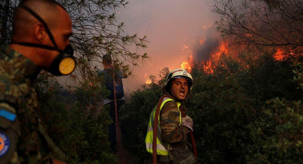 حرائق الغابات تصل أثينا، اليونان 3 أغسطس 2021