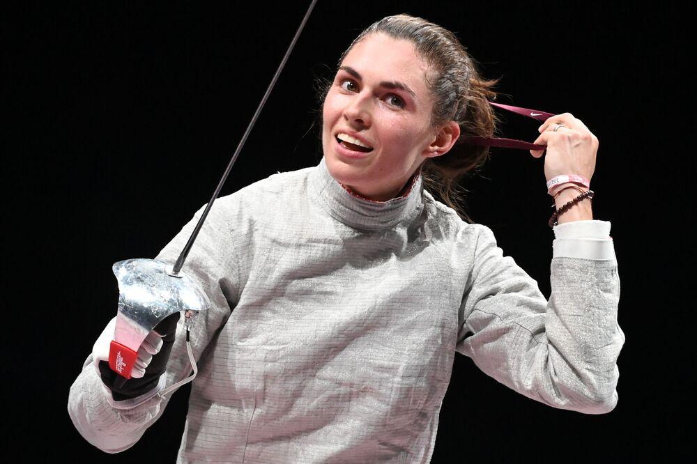 لاعبة المبارزة الروسية صوفيا بوزدنياكوفا