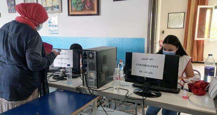 إقبال مكثف على التطعيم ضد كورونا في تونس