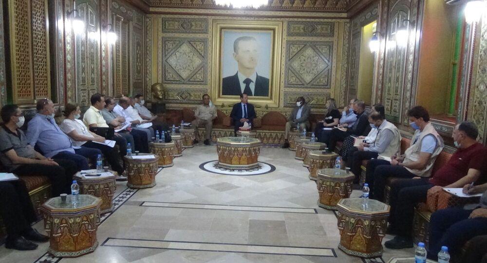 محافظ الحسكة اللواء غسان خليل خلال لقائه نائب المدير التنفيذي لمنظمة الأمم المتحدة للطفولة (اليونيسف)