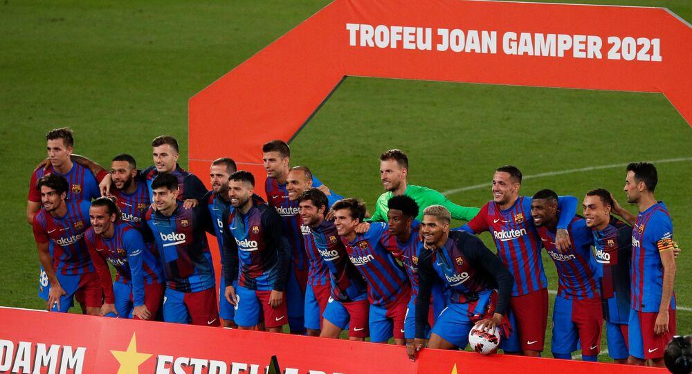 برشلونة الإسباني يفوز بكأس خوان غامبر