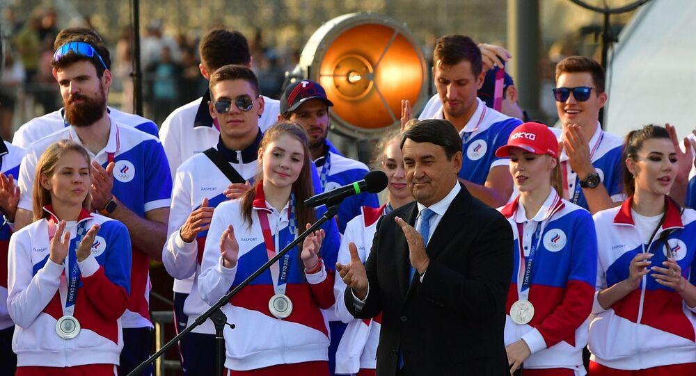 الرياضيون الروس في الساحة الحمراء