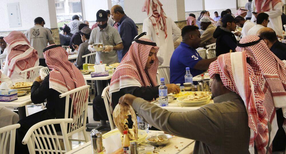 مطعم مخصص للعزاب في المملكة العربية السعودية