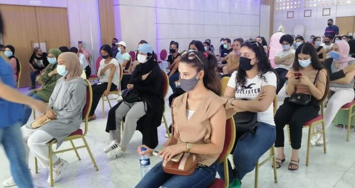إقبال مكثف من الشباب في تونس للتطعيم ضد كورونا