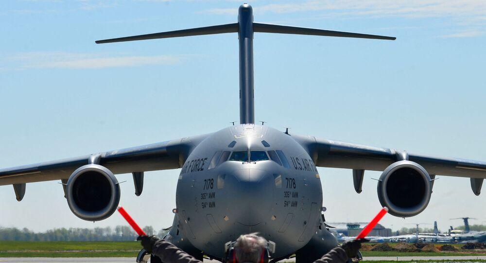 طائرة شحن عسكري أمريكية طراز سي 17 غلوب ماستر