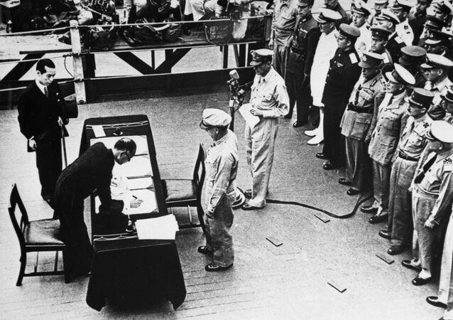 الحرب العالمية الثانية (1939-1945). البارجة الأمريكية ميسوري. توقيع قانون الاستسلام الياباني في 2 سبتمبر 1945.