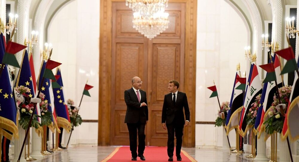 الرئيس العراقي برهم صالح يستقبل الرئيس الفرنسي إيمانويل ماكرون