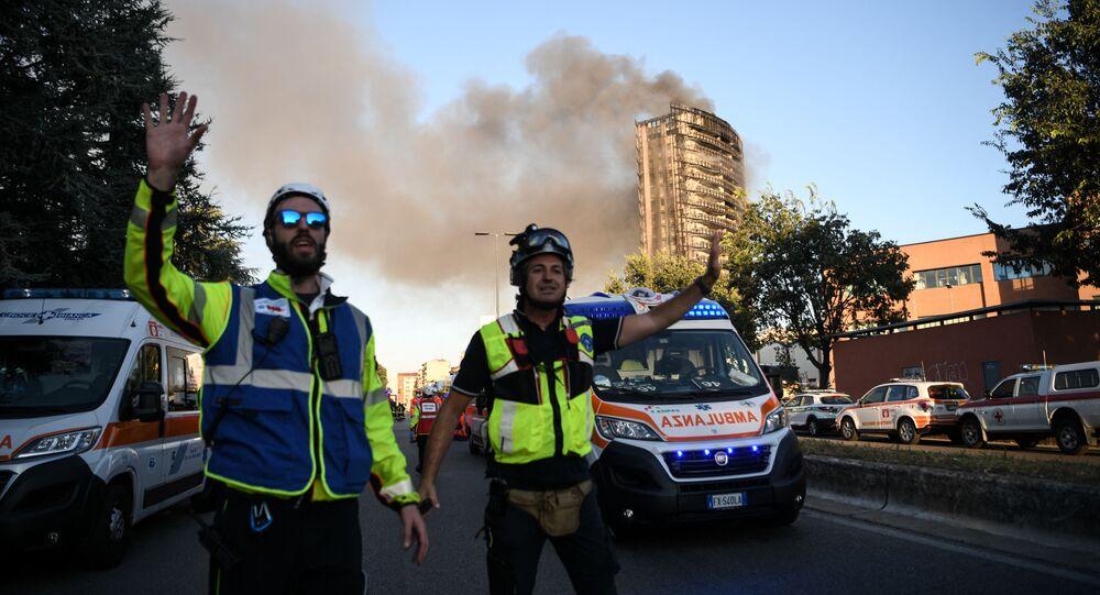 اشتعال حريق هائل في مبنى سكني في مدينة ميلانو، إيطاليا 29 أغسطس 2021