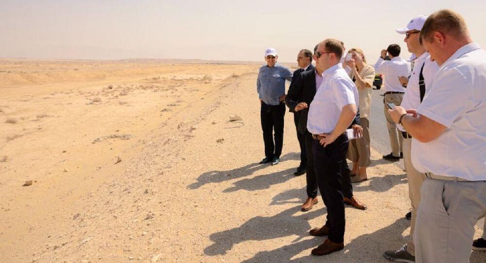 وفد روسي ومستثمرون يزورون السخنة في مصر
