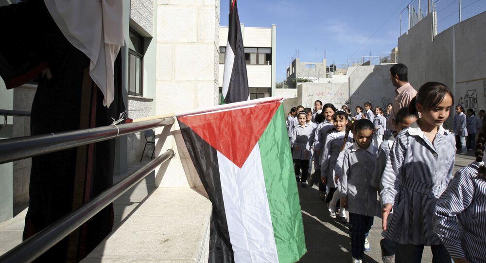 تلاميذ إحدى مدارس الأونروا في مدينة نابلس، الضفة الغربية، فلسطين 1 يونيو 2010
