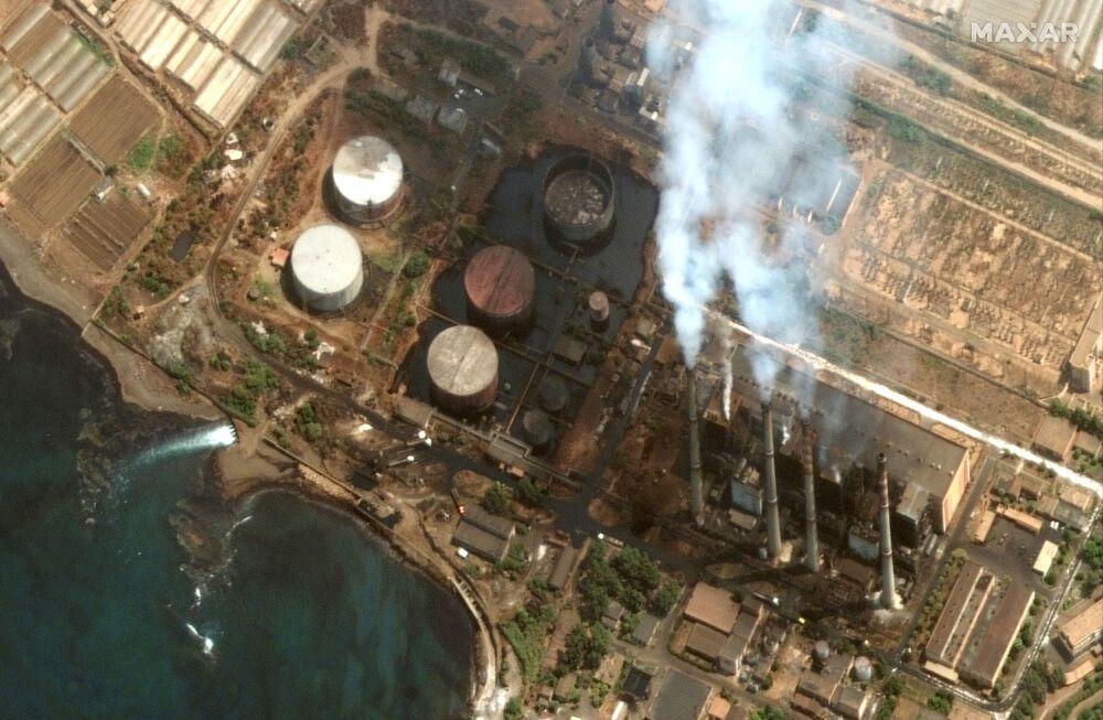 w,v صورة من الأقمار الصناعية  ماكسار تظهر حجم تسر زيت الوقود من محطة كهرباء في سوريا،  28 أغسطس 2021