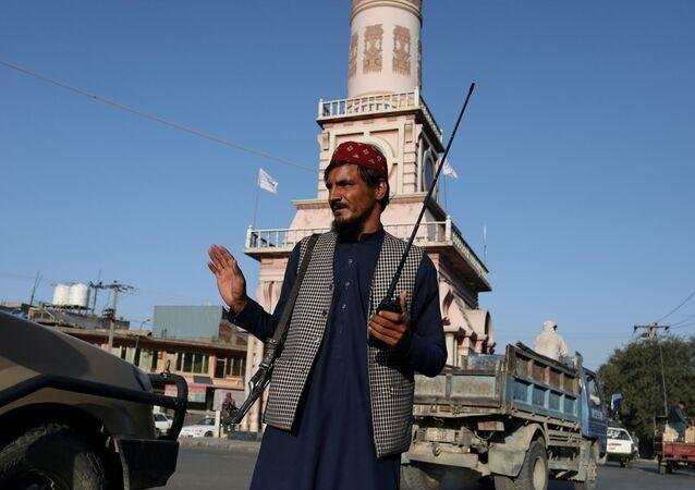 عناصر حركة طالبان يسيطرون على الساحة الرئيسية في مدينة كابول، أفغانستان 1 سبتمبر 2021