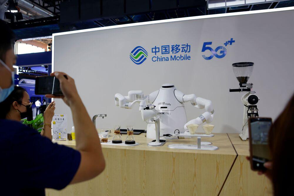 جناح  China Mobile في المهرجان الاقتصادي الصيني الدولي CIFTIS 2021 في بكين، الصين 3 سبتمبر 2021