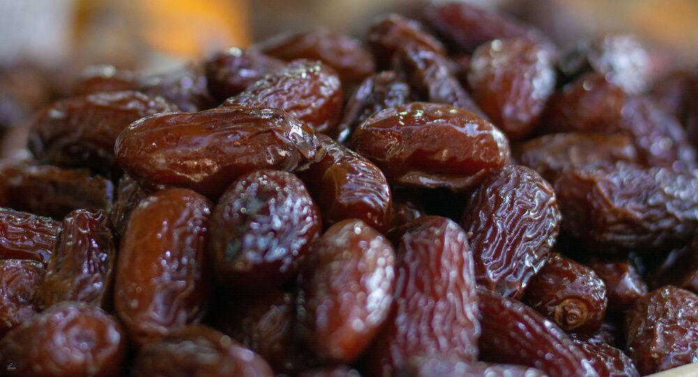 فاكهة التمر الشهية والمفيدة
