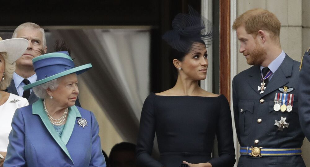 الأمير هاري وزوجته ميغان ماركل وملكة بريطانيا إليزابيث الثانية