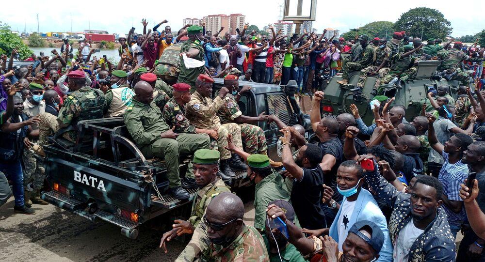 الوضع في غينيا بعد الانقلاب العسكري على الرئيس ألفا كوندي في كوناكري، 6 سبتمبر 2021