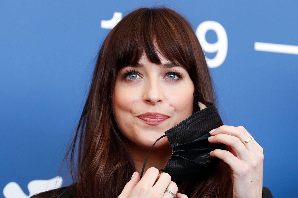 الممثلة الأمريكية داكتو جونسون في مهرجان البندقية السينمائي في دورته الـ 78، فينيسيا (البندقية) إيطاليا 6 سبتمبر 2021