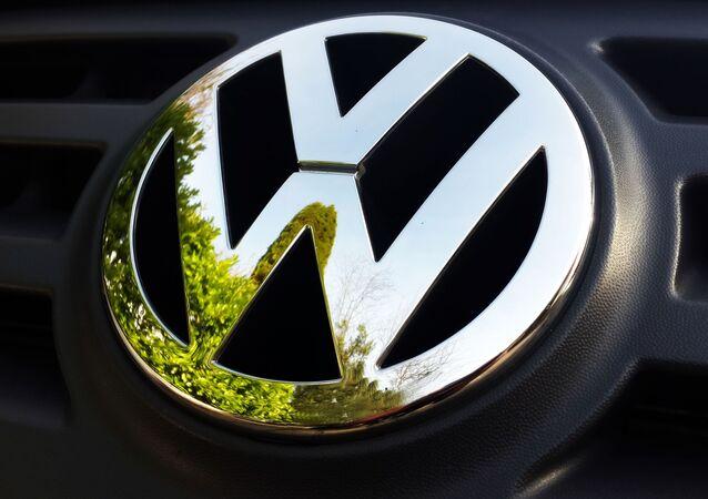 شعار شركة فولكس فاجن  المنتجة للسيارات الألمانية
