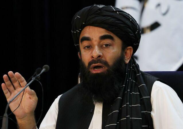 ممثل حركة طالبان (المحظورة في روسيا) ذبيح الله مجاهد في كابول، أفغانستان 6 سبتمبر 2021