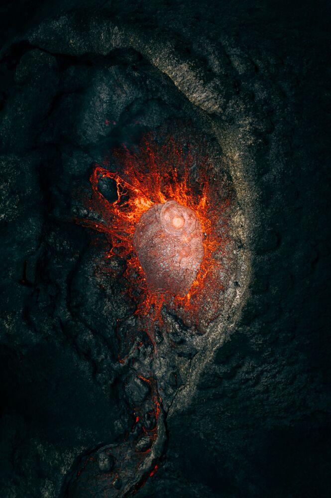 صورة بعنوان ما وراء المجرة، للمصور مارتن سانتشيز، الفائز بالمركز الأول في فئة الطبيعة من مسابقة التصوير بواسطة الدرون لعام 2021