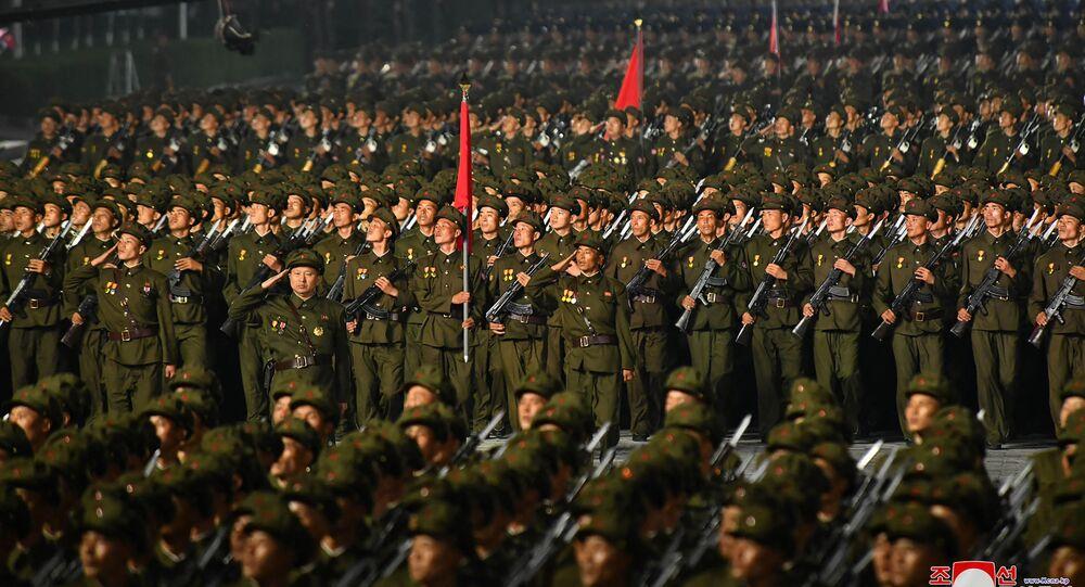 الجيش الكوري الشمالي يشارك في عرض عسكري بمناسبة ذكرى تأسيس كوريا الشمالية