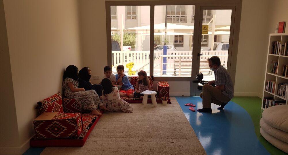لاجئون أفغان داخل مجمعات في قطر